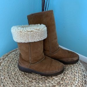 UGG size 6 Classic Tall Suede Shearling Boots
